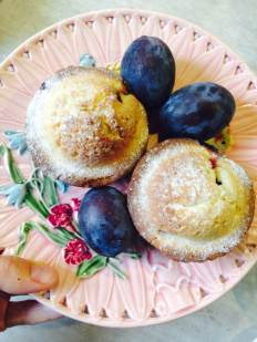 Die süße Jause: Zwetschken-Zimt-Muffins! Ich musste drei hintereinander essen, so köstlich waren sie. Gelobt sei Martha Stewart :-)